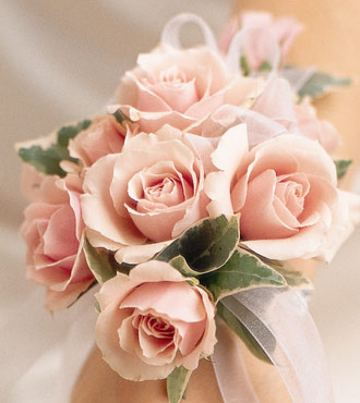 pink spray rose wrist corsage, Natural flower